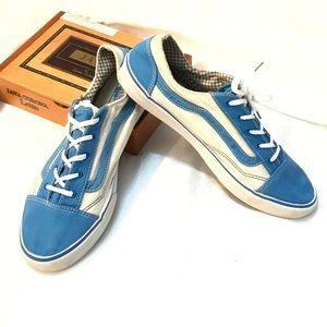 Vans tennis shoes blue & white